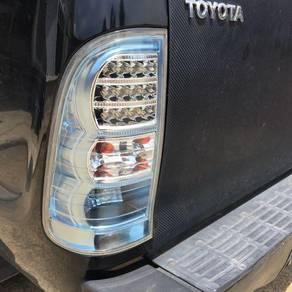 Hilux kun25 taillamp/ double exhaust tip defi volt