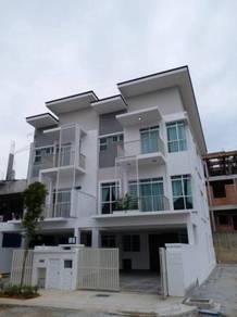 3 storey superlink house ampang