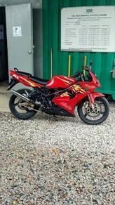 Sebuah motor krr150 super kips untk dijual