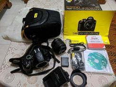 Nikon D3200 with Vr II Kit