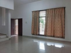Nice n Clean 2stry at Kulai for Rent