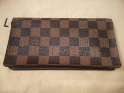 Real Louis Vuitton wallet Damier