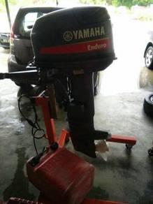Enjin bot yamaha 30