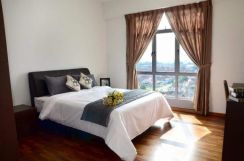 Platino Apartment Tampoi Beside Paradign Mall ( Fully Furnish)