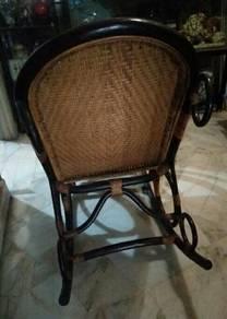 Rattan shaking chair