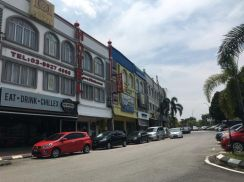 Bandar baru bangi town seksyen 9 ground floor end lot extra size shop