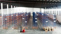 [BU96k; Loading Bays; 40ft] Warehouse With Racking, Subang, Shah Alam