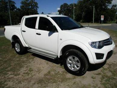 Mitsubishi Triton for rent