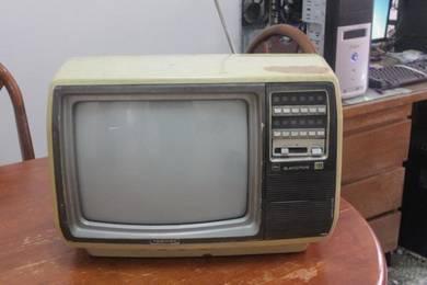 TV toshiba antik