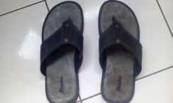 Sandals / Slippers (Black)