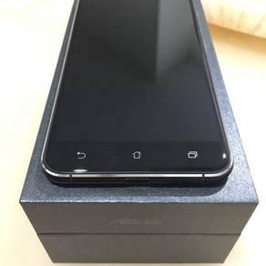Asus Zenfone 3 (ZE520KL)
