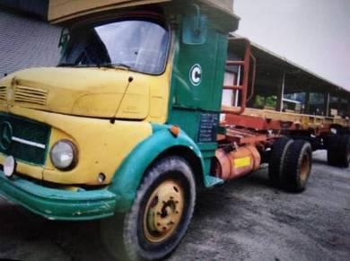 Balak Lorry BBD 2133 Mercede-Benz
