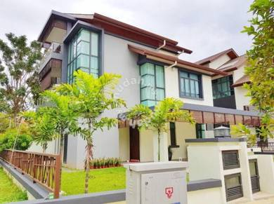 Bungalow with Lift & pool danau suria