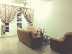 Room for rent, Master attached bathroom, Lake Vista. Puchong