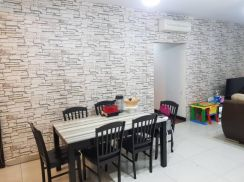 Zen Residence, Puchong * Renovated & Fully furnished ~ 4R2B 2 Carparks