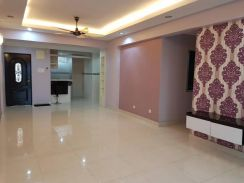 D'Piazza Fully Reno & Furnished 1300sf 2 cp