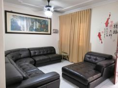 Double Storey Intermediate House at Tabuan Heights For Rent