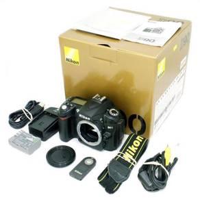 Nikon D90 body + 3rd Grip, SC 12K Urgent