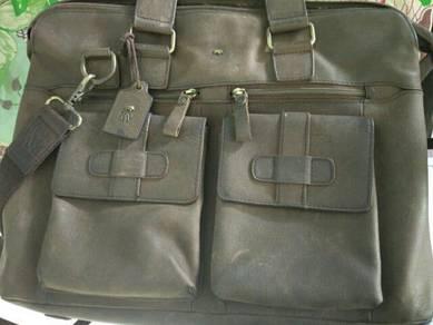 Beg kulit asli rav