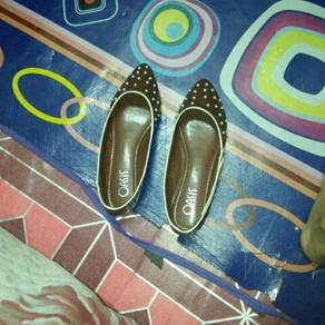 Flat shoes oasis