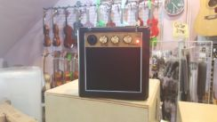 Busking Guitar Amplifier - Overdrive & Clean