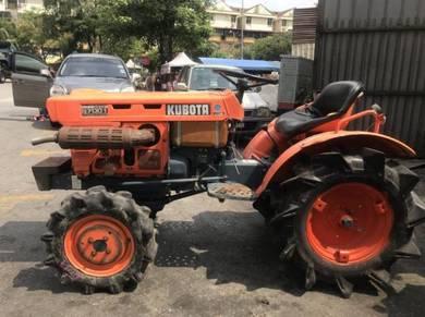 Tractor kubota B7001