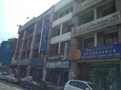 Bayu Perdana 4 Storey Shop Lot 20x70 For Sale