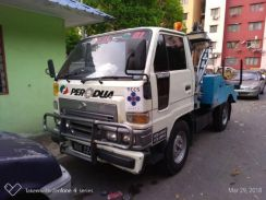 Tow Truck - Daihatsu Delta II (Negotiable)
