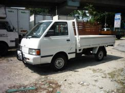 Nissan c22 pick up / 2005 year / steel body