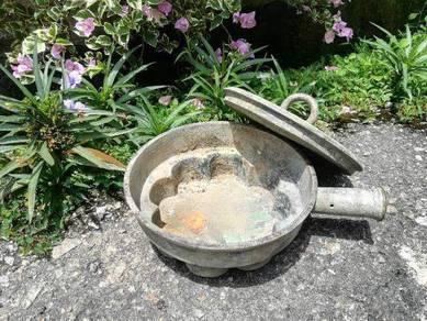 Acuan sarang kuih berbunga tembaga antik lama