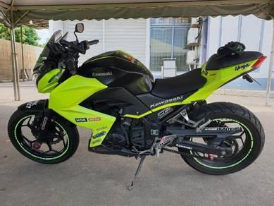 Kawasaki Z250 tiptop