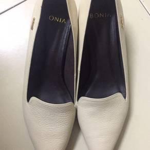Bonia leather shoes