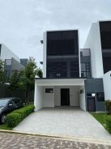 Senibong Cove Hills Residences Freehold Courtyard House Big Built-up