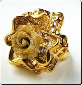 ABRGM-F007 Golden Tone Cute Flower Shiny Ring Sz 8