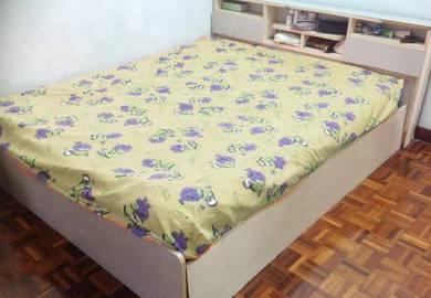 Queen saiz bed frame only