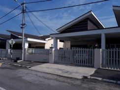 Single Storey Fully Furnished - Lahat