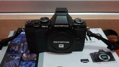 Olympus OMD EM-5 (body)