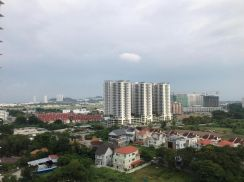 The Clover at Bayan Lepas-Private lift direct access to unit-Poolview