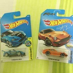 Hot Wheels Mazda MX-5 Miata & FuguZ Datsun 240z
