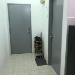 Master Bedroom for rent (Desa Palma Apartment)