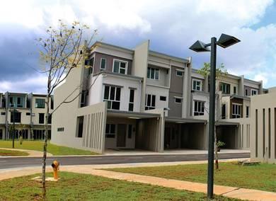 3 storey academia lane town house for sale