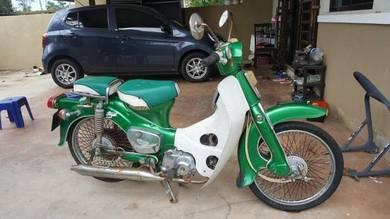 Honda c70 classic
