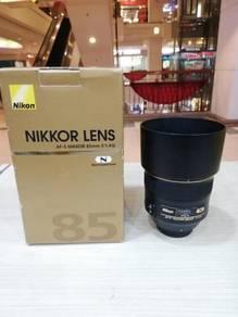 Nikon af-s 85mm f1.4g n lens (97% new)