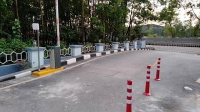 Long range reader barrier gate system