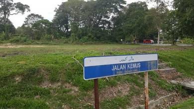 Tanah untuk disewa (Tepi jalan Simpang Empat Pulau Sebang)