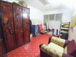 Office lot for rent at jalan bakawali johor jaya first floor