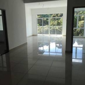 Setia Pinnacle Condominium unfurnished middle floor for RENT