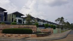 3 storey linked bungalow Imperiale Residence