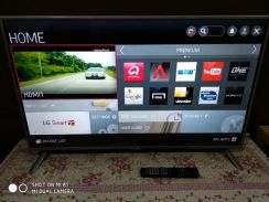 LG Smart LED TV 42 Inch with Magic Remote