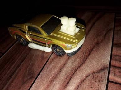 Hotwheels 1968 mustang dtx47